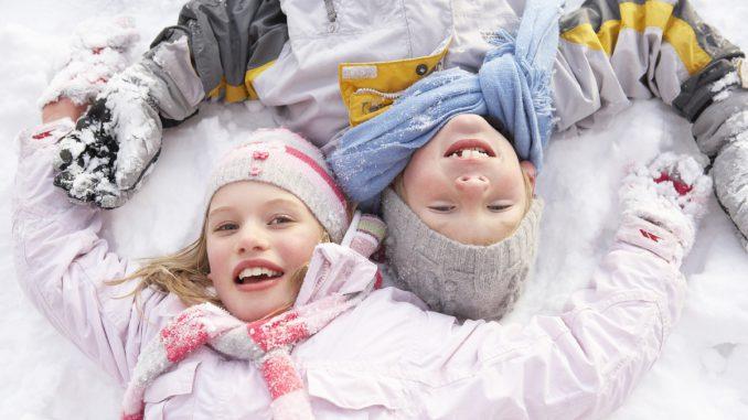 leker utendørs vinter