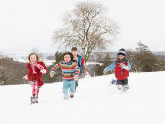 3 vinkkiä hauskan lastenjuhlan järjestämiseen ulkona talvella